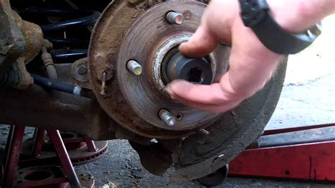 how to replace a rear wheel bearing on a 2001-2006 Hyundai