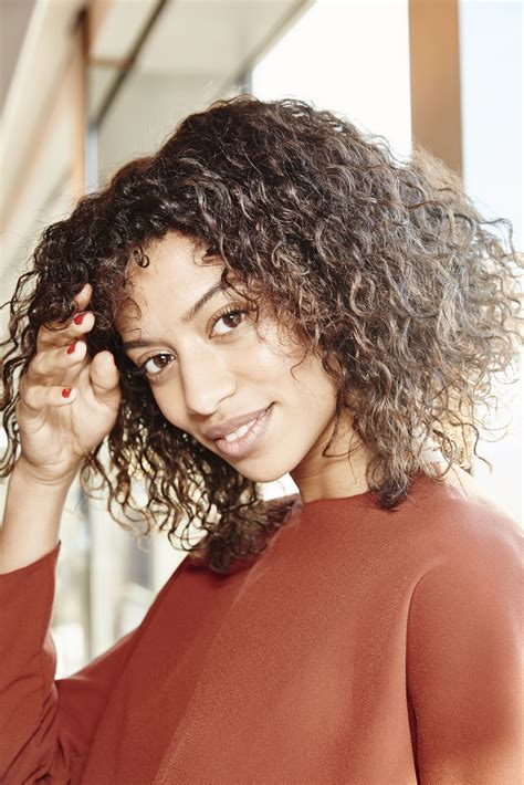 Curly Girl Hair Tips: How to Preserve Your Curls While You